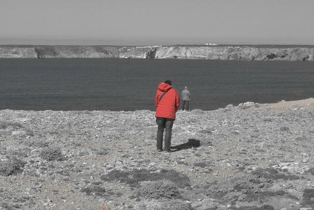 Sea edge of the sea algarve.