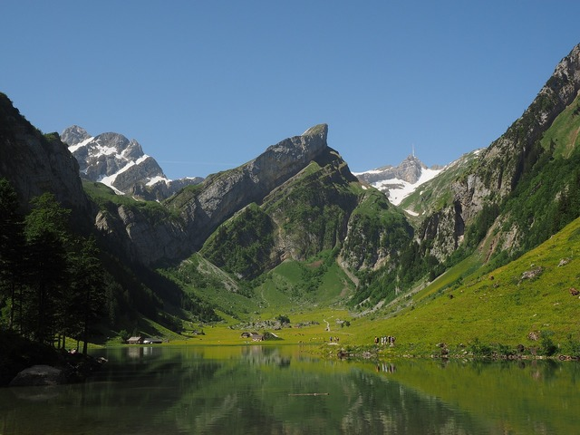 Seealpsee lake idyll.