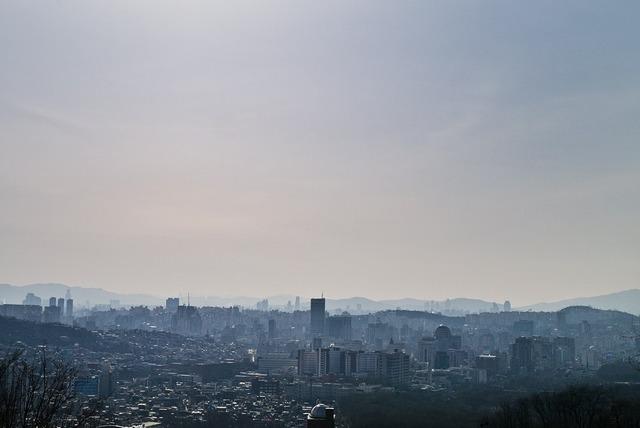 Seoul summer gil.