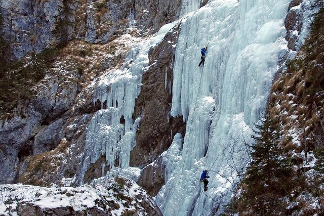 Serrai di sottoguda dolomites ice falls.