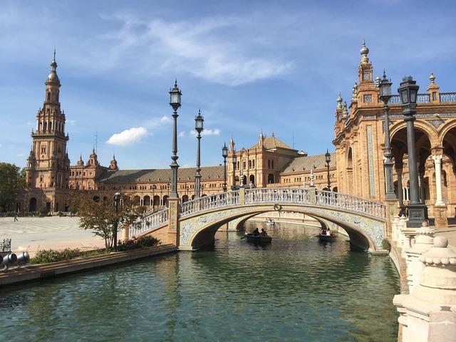 Seville plaza de españa places of interest, architecture buildings.