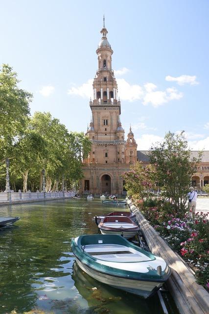 Seville plaza españa barca.