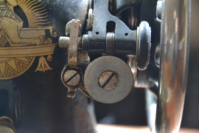 Sewing machine machine production.