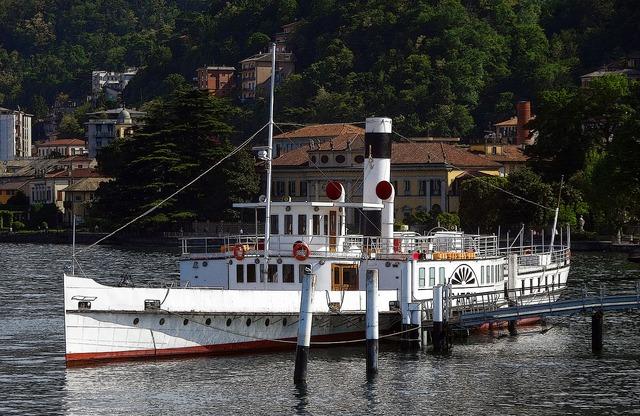 Ship paddle steamer steamer.