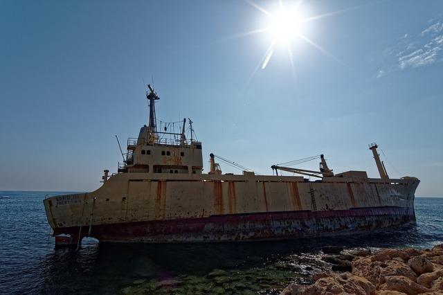 Ship wreck ship old.