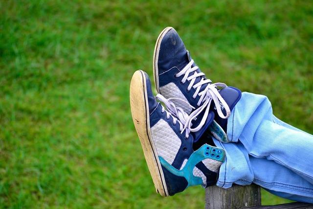 Shoes park rest, people.