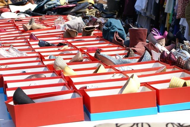 Shoes shoe boxes shoebox.