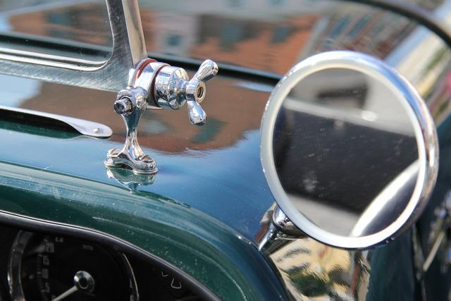 Side mirror auto mirror, transportation traffic.