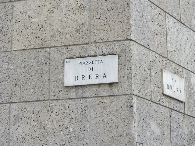 Sign street brera milan.