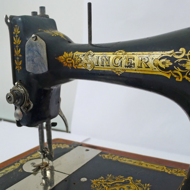 Singer machine sew, beauty fashion.