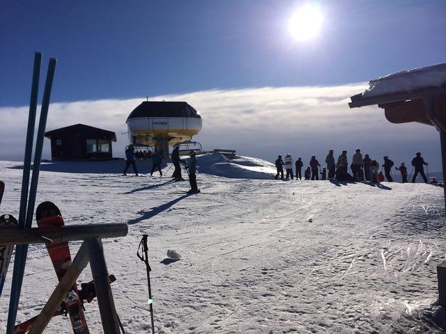 Ski snow solar, sports.
