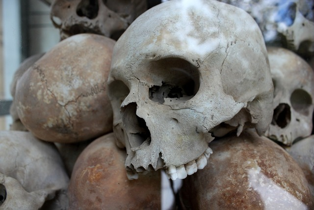 Skulls genocide murder, places monuments.