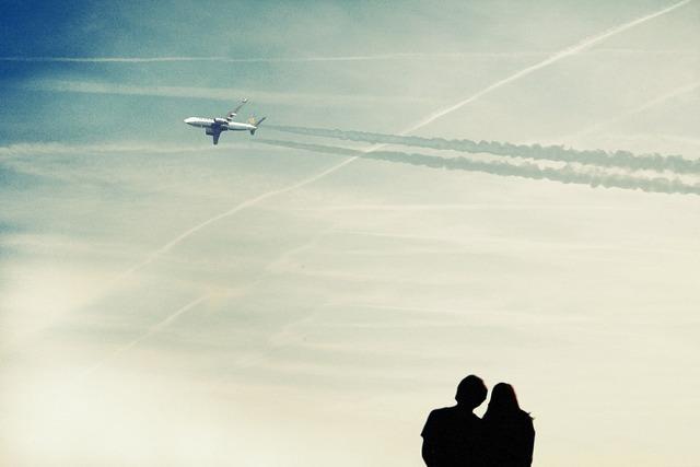Sky on couples.