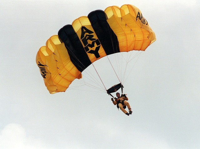 Skydiver parachuting army, people.
