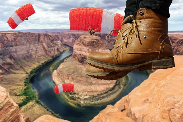 Skydiving horseshoe bend page.