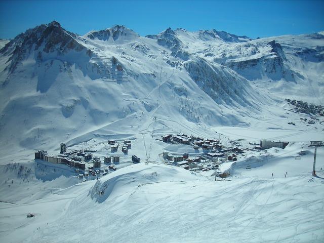 Snow avoriaz france.