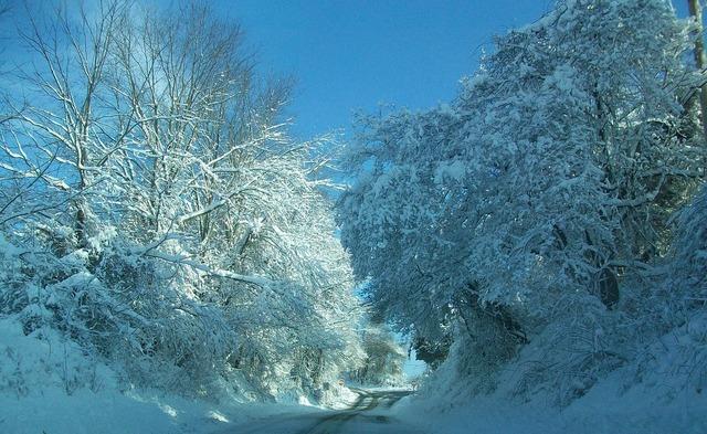 Snowed covered pennsylvania, transportation traffic.