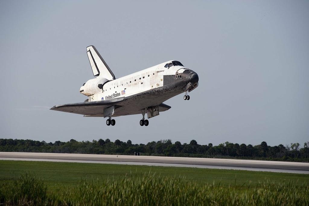 Space shuttle start land, science technology.