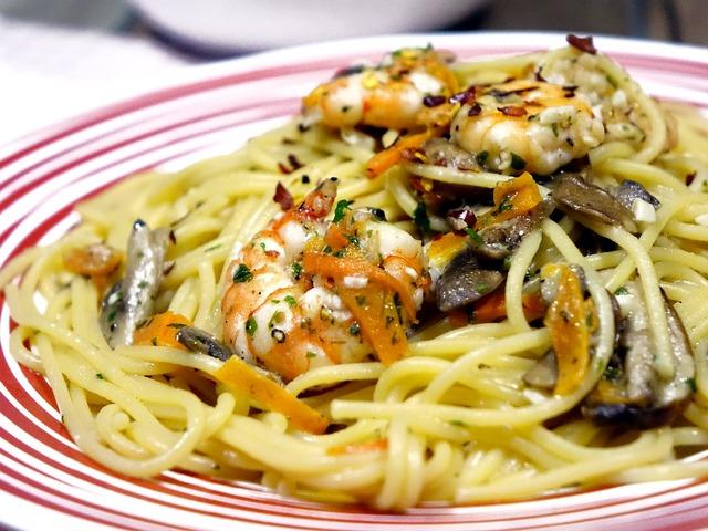 Spaghetti noodles mushroom, food drink.