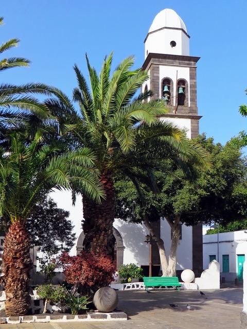 Spain canary lanzarote, religion.