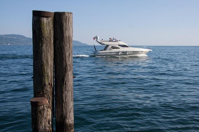 Speedboat powerboat motorboat sports.