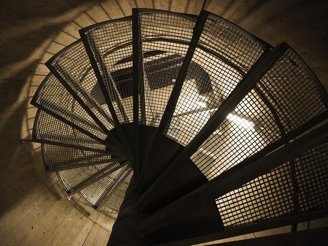 Spiral staircase descent gradually.
