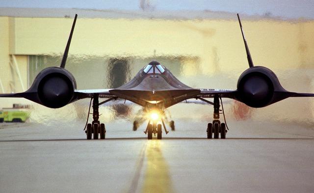 Sr-71 reconnaissance aircraft aircraft, science technology.
