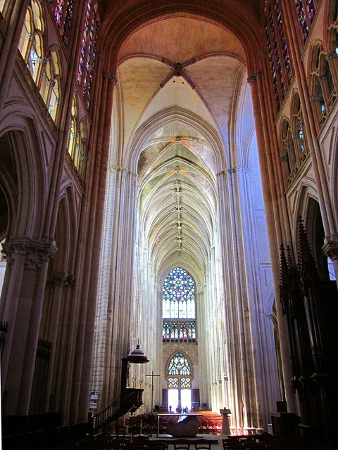 St gatien cathedral gothic tours.