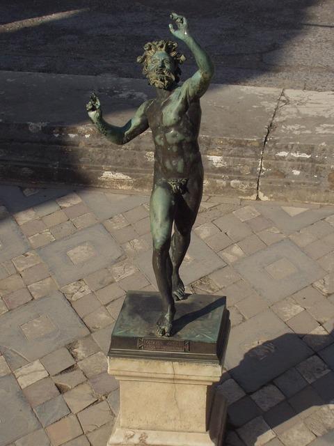 Statue copper old.