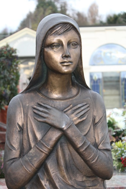 Statue funerary monument girl, people.