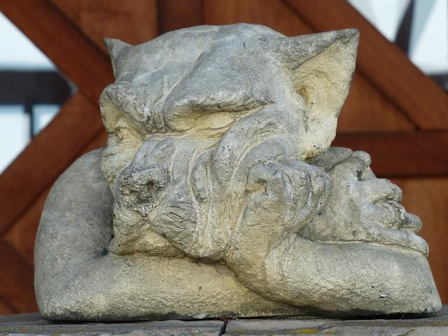 Statue garden statue wolf, animals.