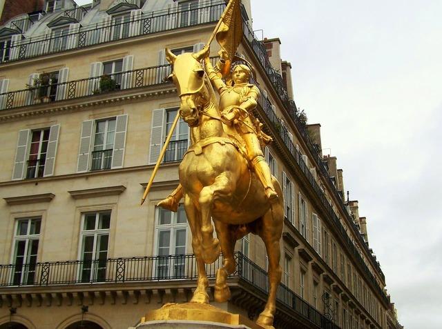 Statue saint paris, architecture buildings.