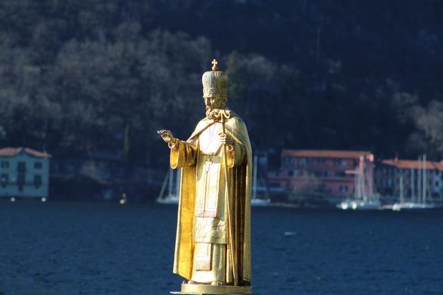 Statue san nicola statue metal.