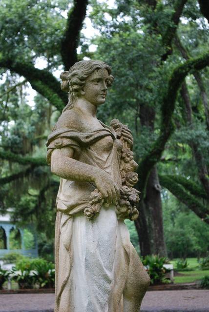 Statue sculpture female.