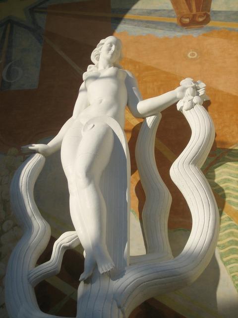 Statue woman nude, beauty fashion.