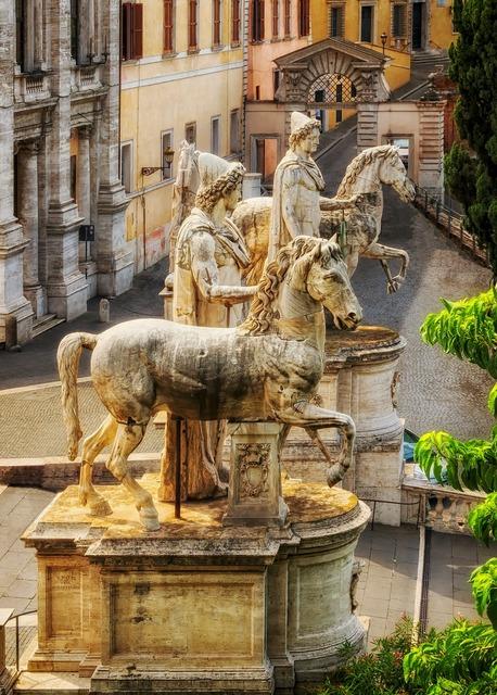 Statues sculptures artwork.