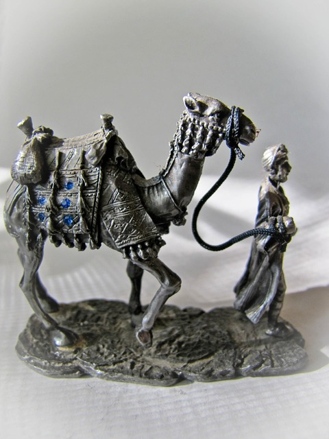 Statuette camel tin, travel vacation.