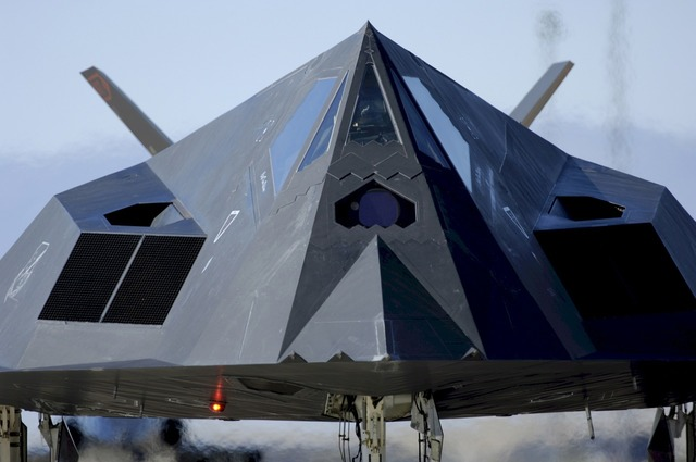 Stealth jet f-117, science technology.