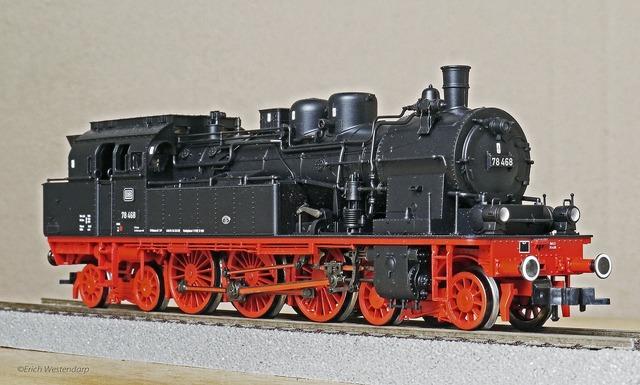 Steam locomotive model h0.