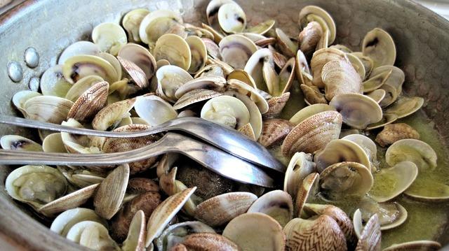 Steamed clams fresh fish.