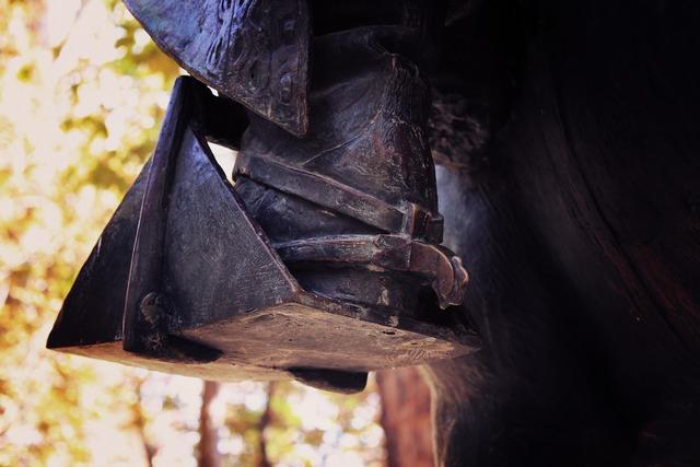 Stirrup rider equestrian sculpture, architecture buildings.