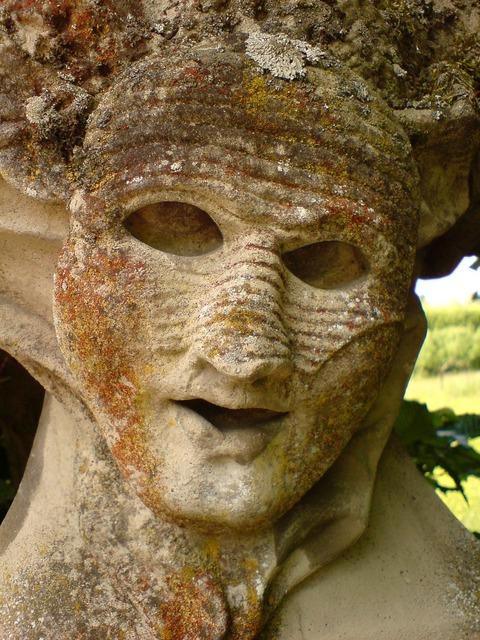 Stone face rokkokogarten würzburg.