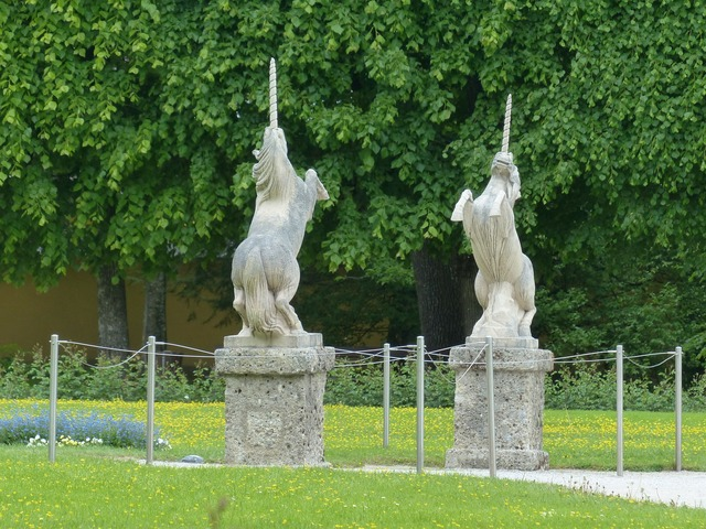 Stone figures figures unicorns.