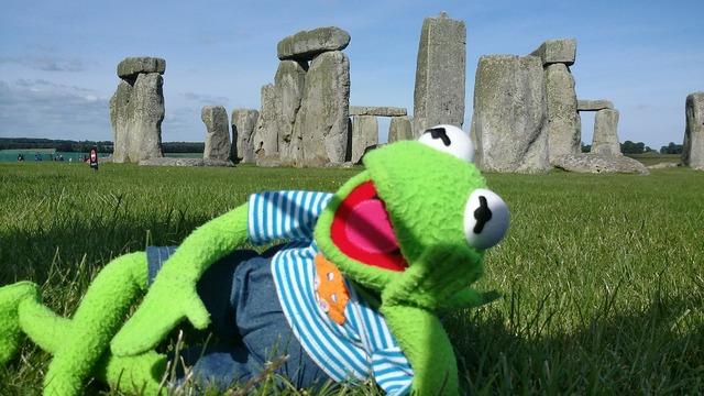 Stonehenge kermit frog, architecture buildings.