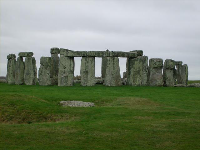 Stonehenge stones megalithic monument, architecture buildings.