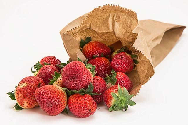 Strawberries fresh fruit dessert, food drink.