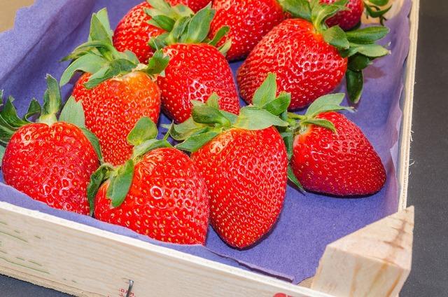 Strawberries red fruit, food drink.
