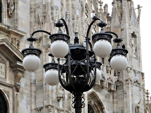 Streetlamp milan duomo, religion.