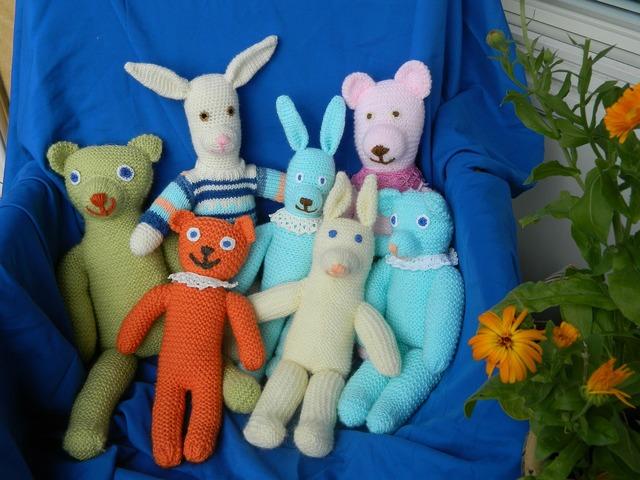 Stuffed animal pehmonukke toy, industry craft.