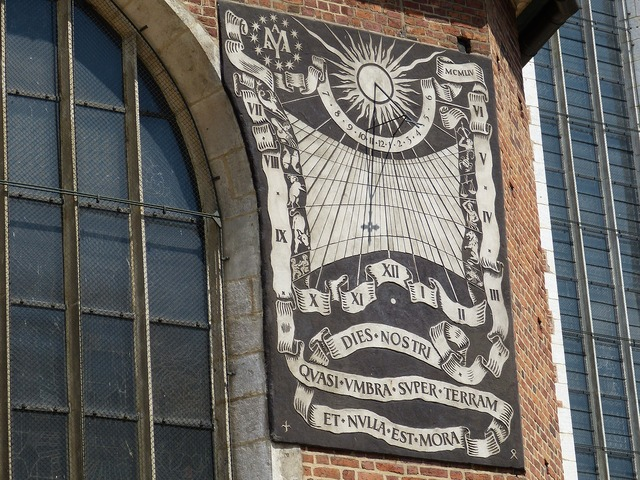Sundial clock time, religion.